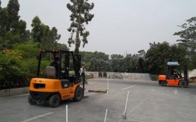 南宁电工企业培训焊工叉车正规培训学校